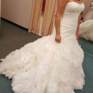 Truly by Zac Posen wedding dress